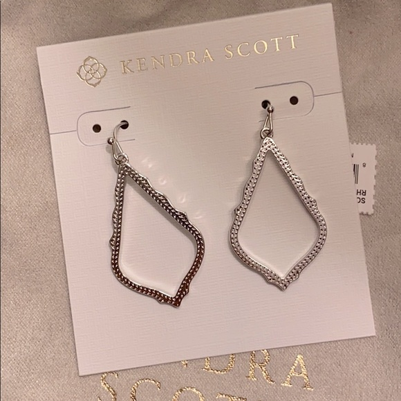 Kendra Scott Sophia Earrings NWT Silver